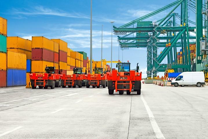 Continental lanza la medida 280/75 R22.5 del modelo TractorMaster para  puertos | Novologistica.com