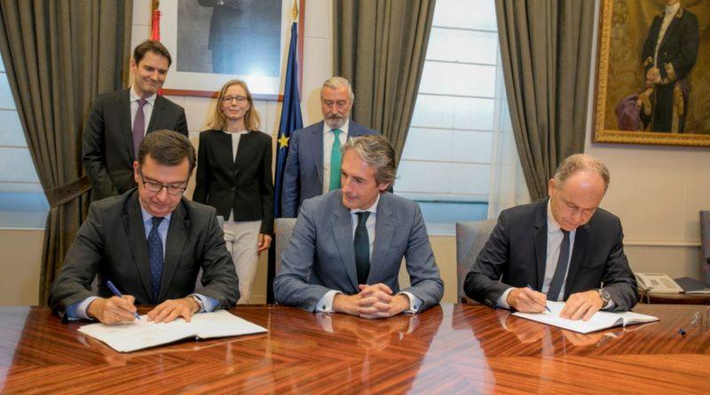 El Ministro de Fomento preside la firma de un préstamo de 600 M€ del BEI a Adif AV para financiar la 'Y Vasca'