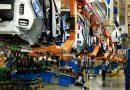 Transportando material de transporte y maquinaria