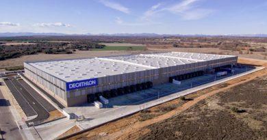 91c7deba8 Decathlon inaugura un nuevo centro logístico en León y crea más de 180  empleos locales