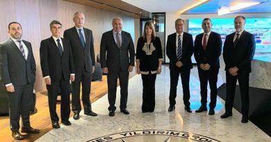El puerto de Huelva y Yilport abordan el plan de crecimiento del Muelle Sur