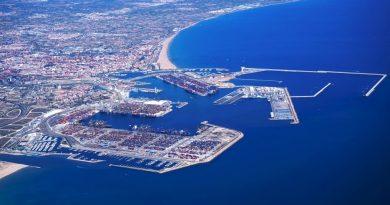 La Autoridad Portuaria de Valencia pospone la liquidación de las facturas de sus clientes