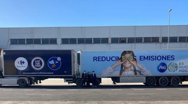 Carrefour y P&G reducirán las emisiones de CO2 de sus operaciones conjuntas con dos megacamiones